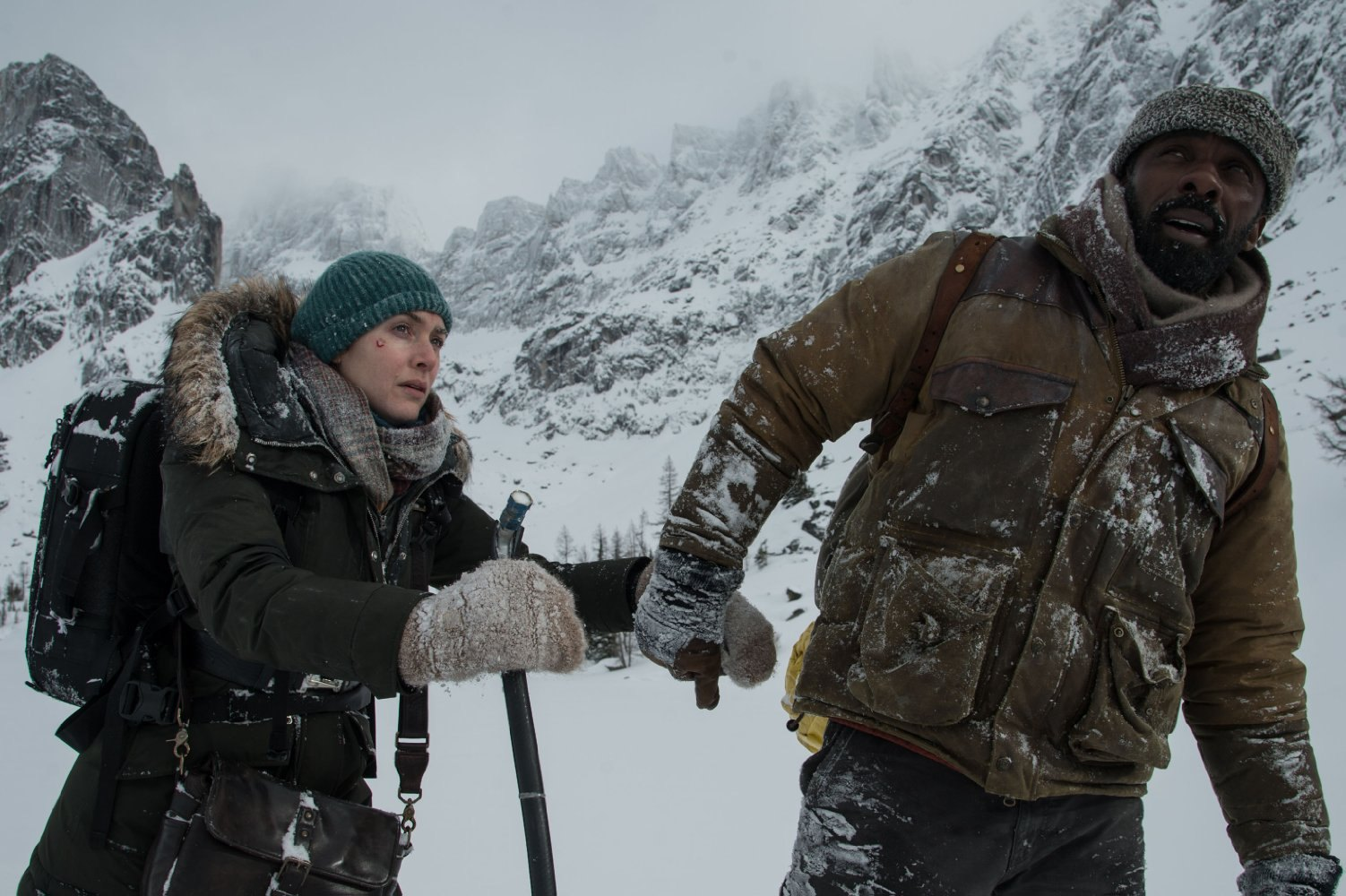 Photos: The Mountain Between Us HD Captures, Stills and Posters
